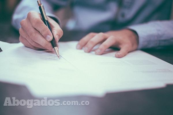 ¿Cuándo existe contrato de trabajo?