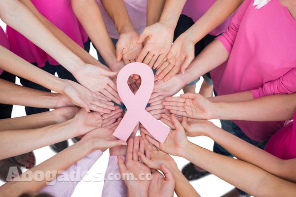 Garantizan derecho a reconstrucción de senos para las víctimas de cáncer de mama